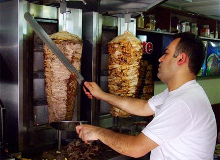 10-adresses-ultimes-pour-deguster-un-kebab-a-paris