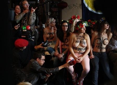 les-femen-on-se-sert-de-nos-corps-comme-des-armes