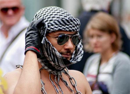 plus-forts-que-frigide-barjot-les-indigenes-de-la-republique-denoncent-l-imperialisme-gay