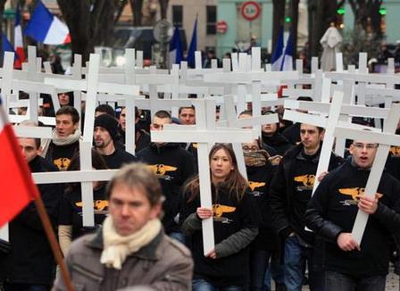 manif-apres-les-islamistes-a-la-concorde-les-fascistes-lyonnais-debarquent-a-paris